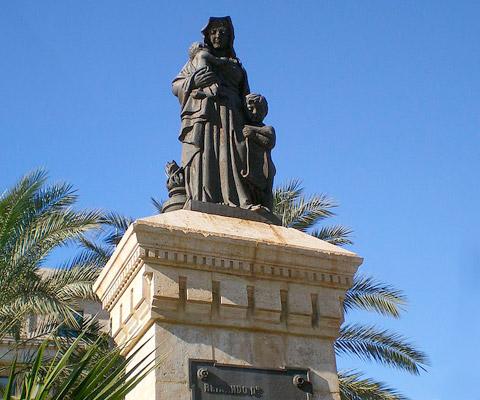 Estatua de la Caridad de Almería