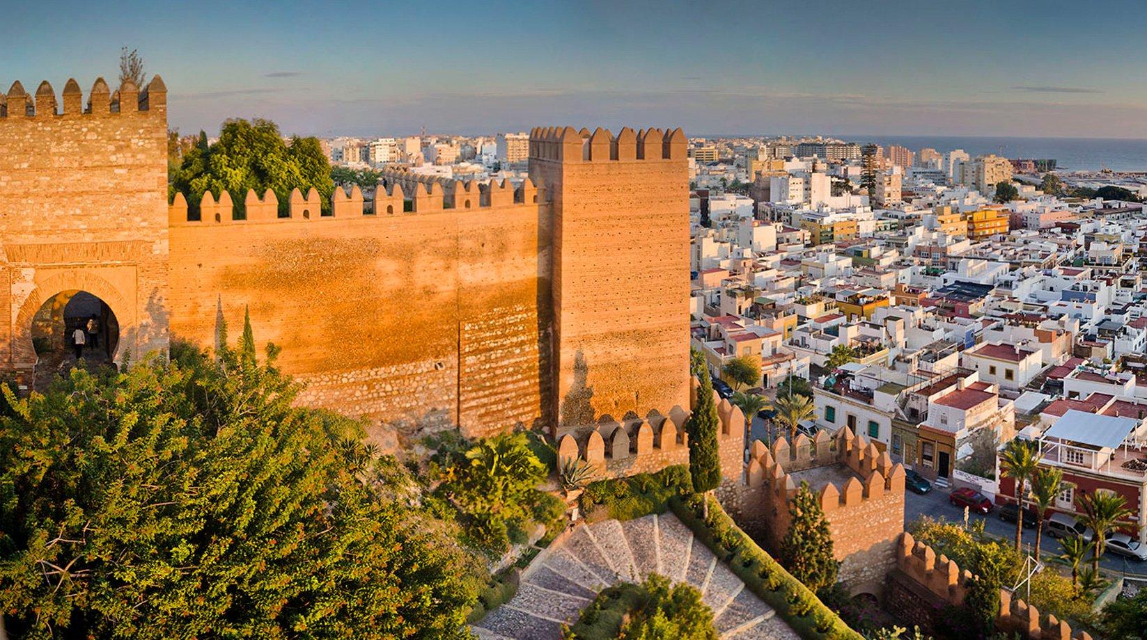 Almer a turismo turismo e informaci n de almer a ciudad for Oficinas unicaja almeria